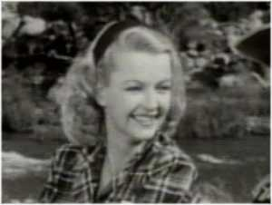 Photo of singer/actress Dale Evans smiling